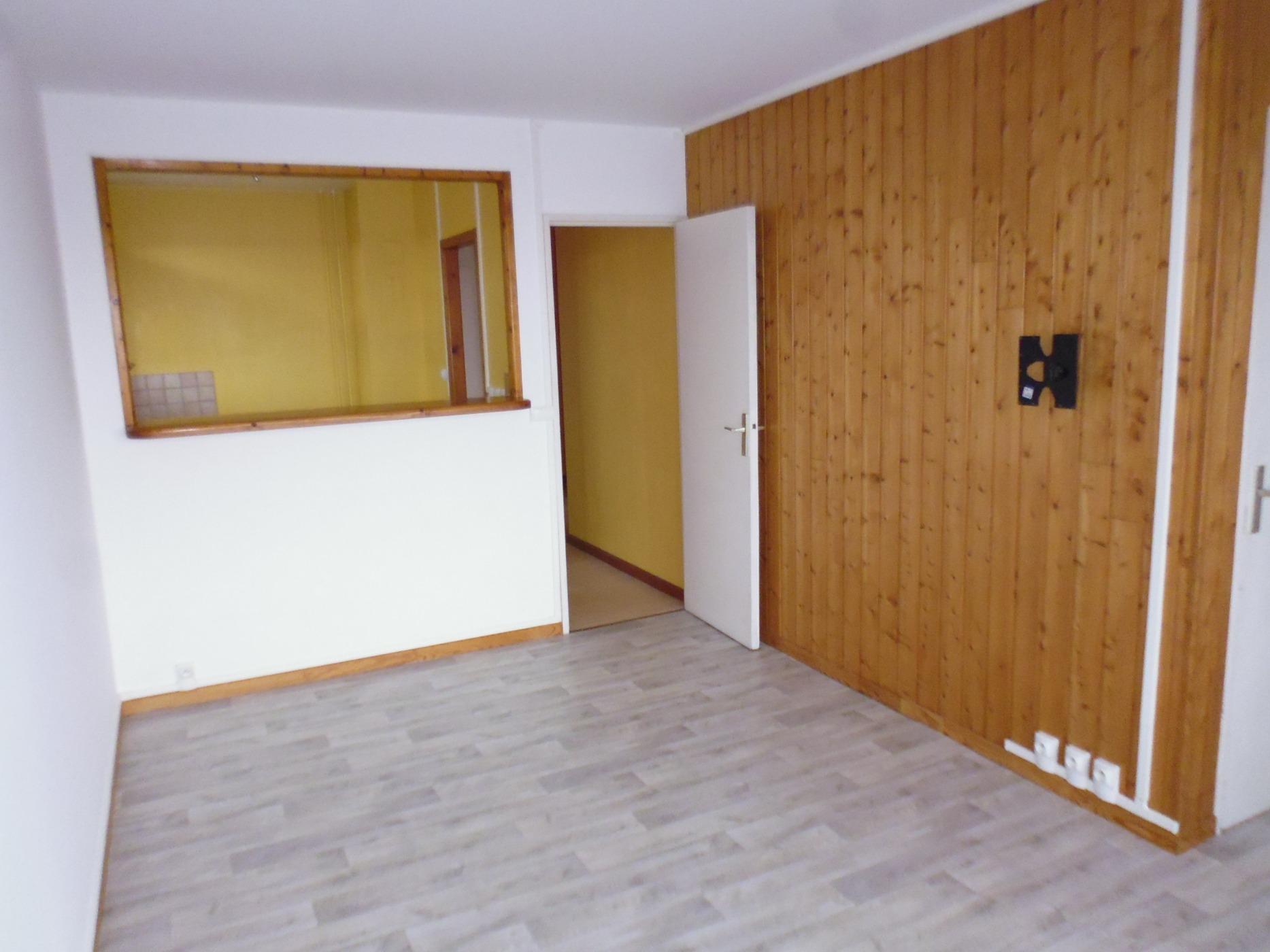 Annonce vente appartement vreux 27000 31 m 39 900 for Appartement atypique evreux